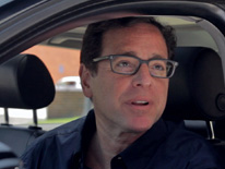Fred Stoller welcomes Bob Saget to his makeshift security booth talk